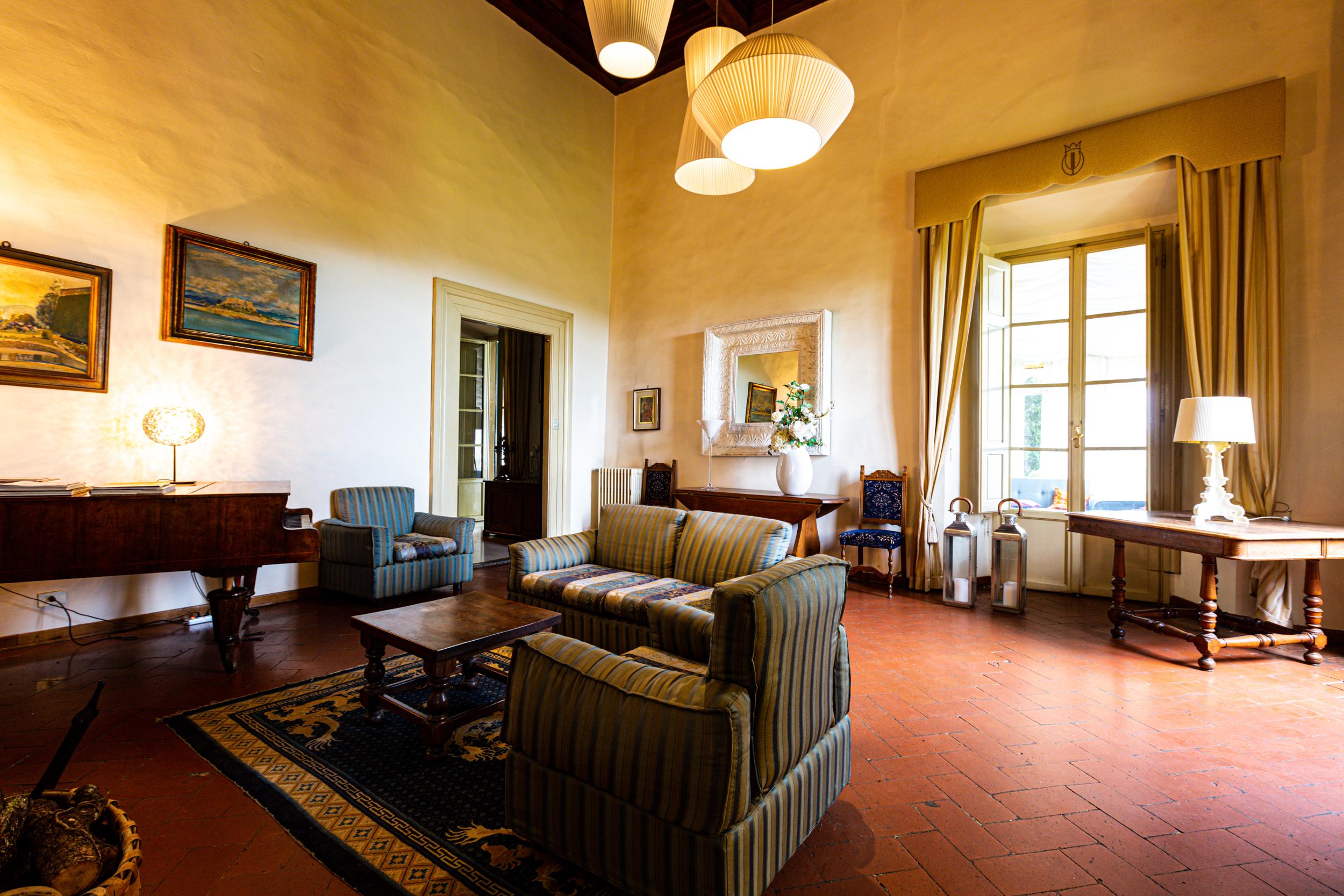 interni villa viviani firenze